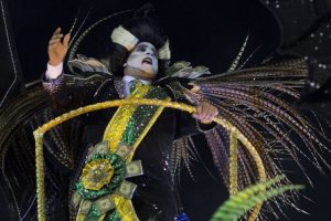Ballo in maschera dei politici brasiliani