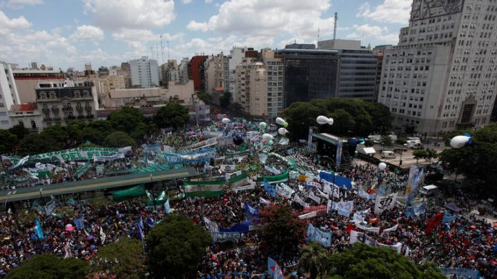 Argentinien: 400.000 Menschen demonstrierten in Buenos Aires gegen Macris Kürzungspolitik