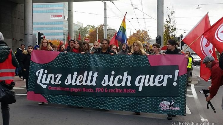 Oberösterreich stellt sich quer - Nein zu rechtsextremen Europa-Kongress!