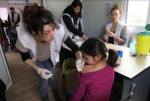 Γιατροί Χωρίς Σύνορα: εμβολιασμοί στη Λέσβο και με Pfizer στα δικαστήρια της Νοτίου Κορέας