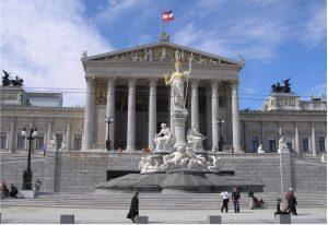 Η Αυστρία επίσης υπογράφει τη Συνθήκη για την απαγόρευση των πυρηνικών όπλων