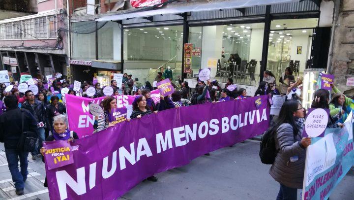 Mujeres Bolivianas paralizaron el centro de la sede de gobierno