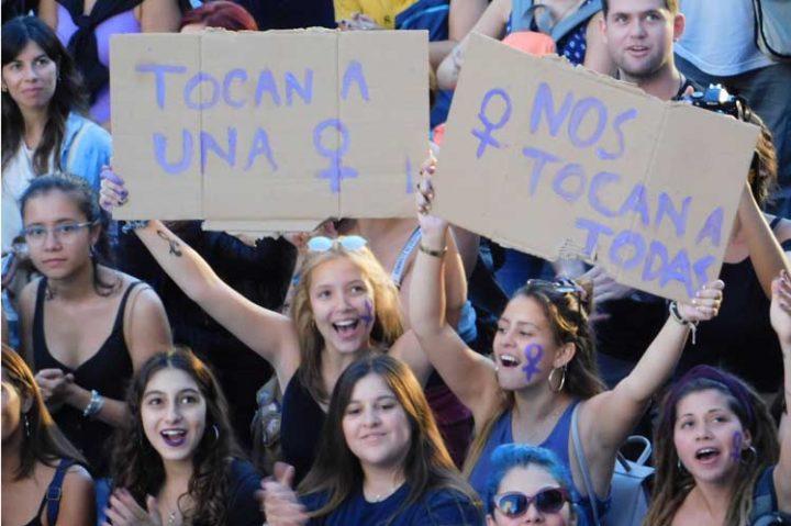 Gigantesca marcha estremece centro de Montevideo