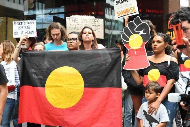 """En Australia los nativos contra el programa de televisión: """"Dejen de robar niños"""""""