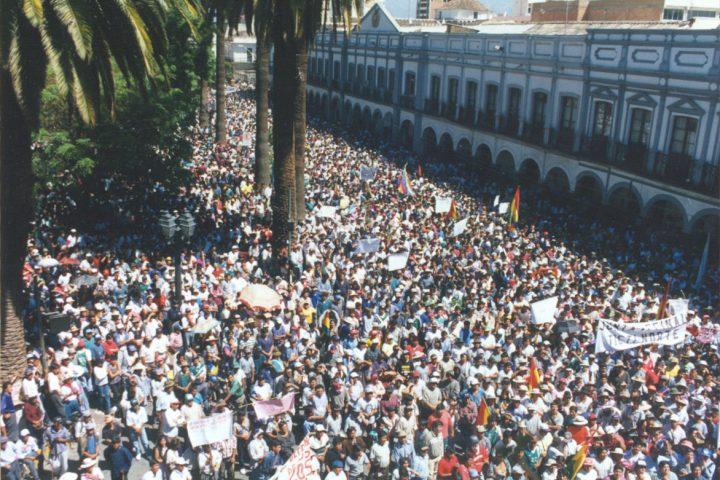 """Desobediencia civil: la """"Guerra del agua"""" como antecedente en Latinoamérica"""