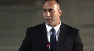 Kosovo: Approvato tra i fumogeni il confine con il Montenegro