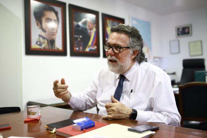 Ricardo Capella, Cónsul General de Venezuela en Barcelona: «Estamos en guerra, no en crisis»