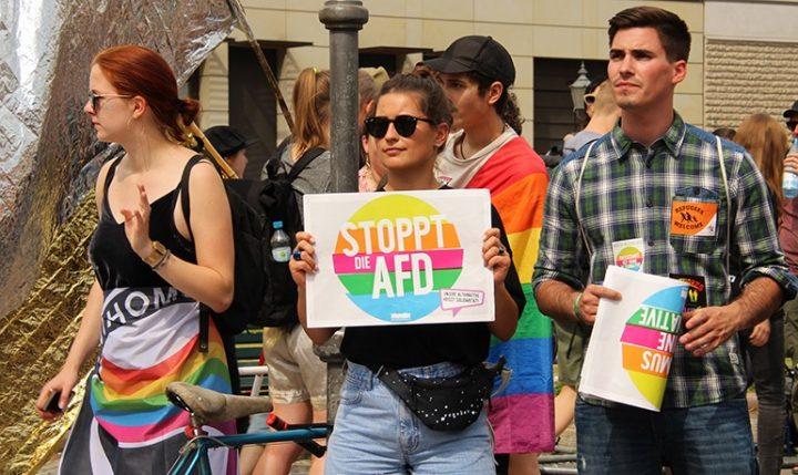 Gestern haben Tausende von Menschen gegen die AfD-Demonstration in Berlin protestiert