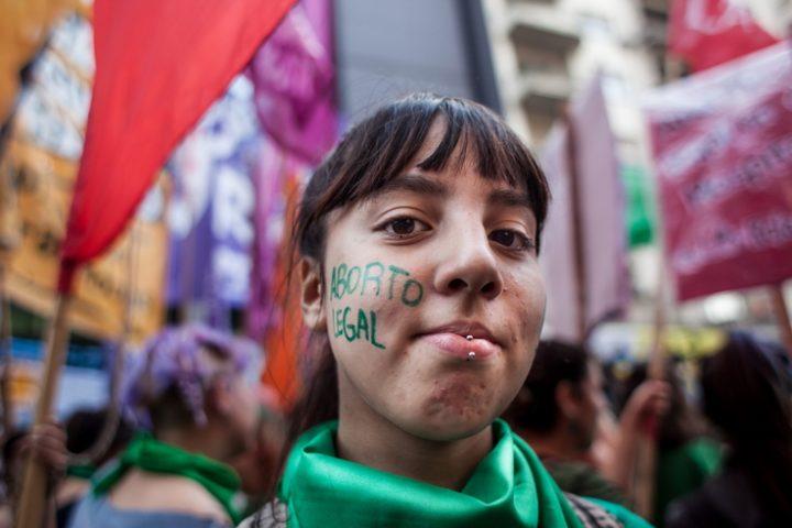 Irlanda: votar por el derecho al aborto, un reto europeo