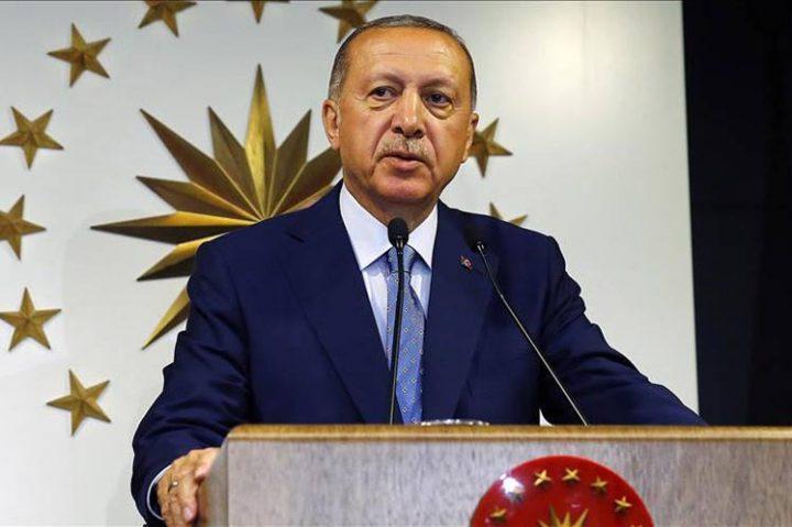 Erdogan se declara vencedor sin finalizar el recuento electoral