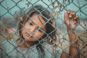 Quanto vale uma vida? Crianças indocumentadas ou a vergonha de nosso século?