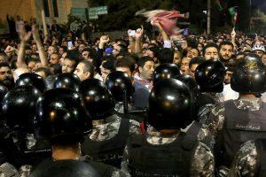Giordania, dilaga la protesta. Premier a rischio