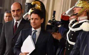 La crisi ha prodotto un nuovo governo dell'austerità, armato di manganello