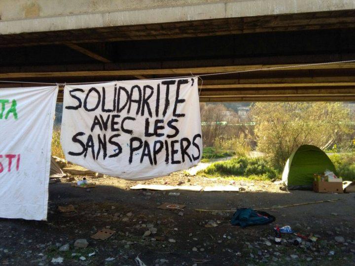 """Ventimiglia: la """"caccia al nero"""" e la solidarietà che resiste"""
