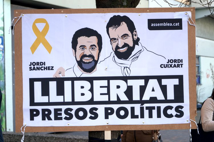 Katalonien und die Justiz: Sind die Entscheidungen im Fall Puigdemont politisch motiviert? - Pressenza