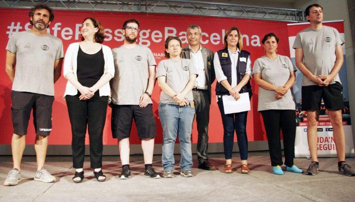 Barcelona recibe a Open Arms con un acto reivindicativo dirigido a Europa