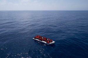 Migranti, la Open Arms e l'Astral tornano in mare