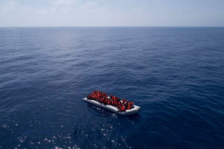 Migranti, la Open Arms e l'Astral tornano in mare