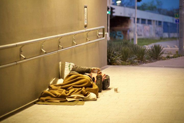 Combattre la pauvreté, pas les immigrants