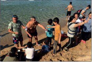 Isola Capo Rizzuto, migranti soccorsi da bagnanti e bagnini