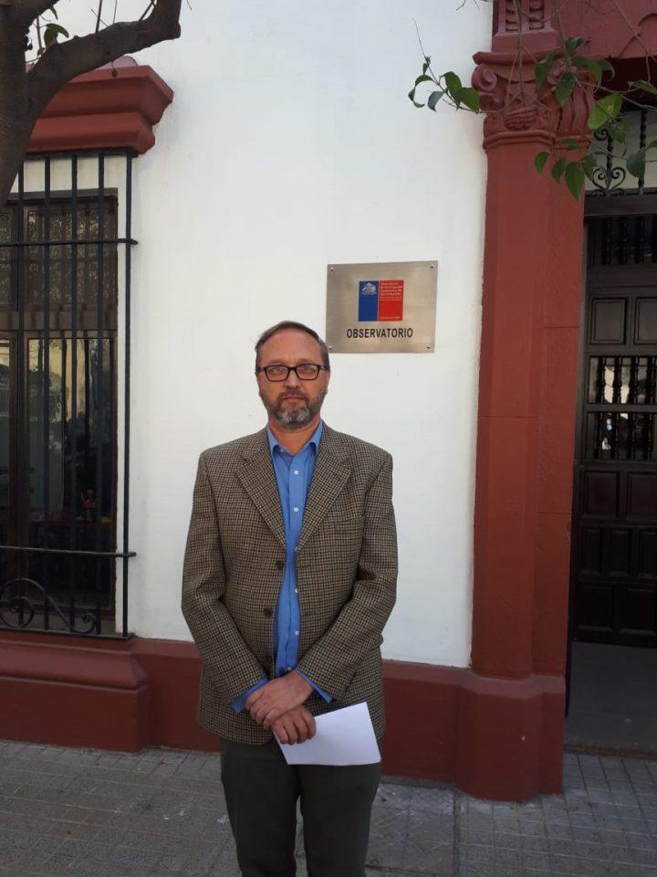 Sobrevivientes de abuso sexual eclesiástico en la infancia entregan carta a La Moneda