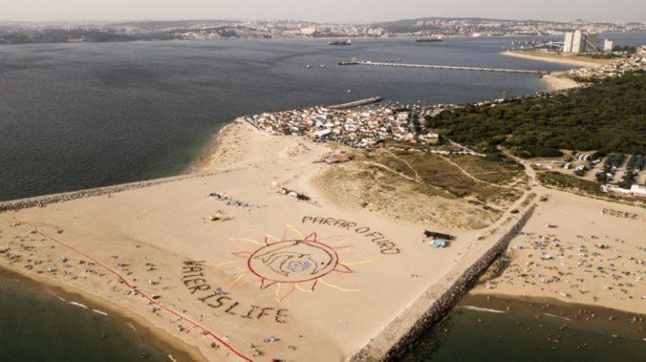 Portugal: Protesta creativa contra el cambio climático en el día más caluroso desde que comenzaron los récords
