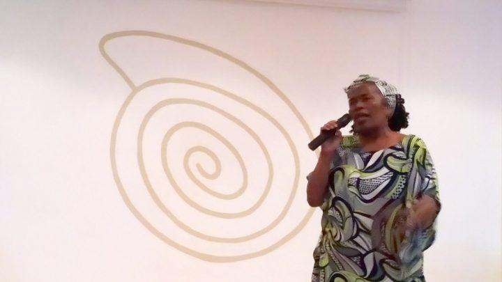 """Irma Bautista, representante del colectivo de """"Mujeres Negras del Ecuador"""" y una intervención cultural"""