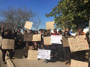 """Sudafrica, donne in piazza per """"Total shutdown"""": basta violenze"""