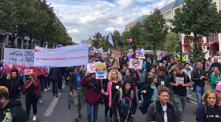 Tausende für die Streichung von §§ 218/219a StGB auf der Straße