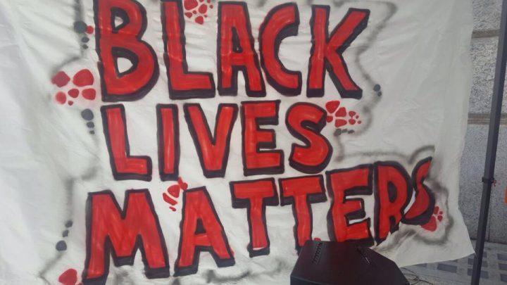 Milano, manifestazione antirazzista per non dimenticare Abba e tutte le vittime del razzismo