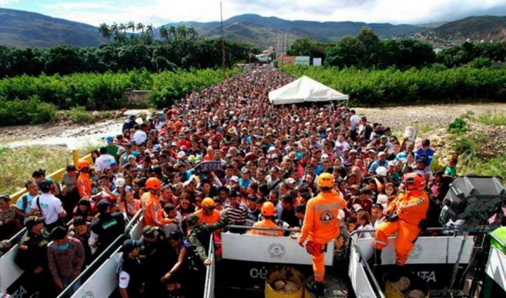 """Μεταμφιέζοντας μια μεταναστευτική κρίση για τη δημιουργία """"casus belli"""" εναντίον της Βενεζουέλας;"""