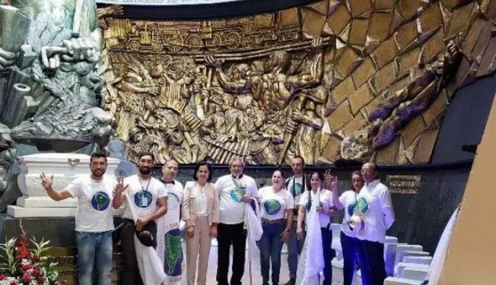 La ville de Manta en Colombie reçoit les membres de l'équipe de base de la Première marche sud-américaine pour la Paix et la Nonviolence