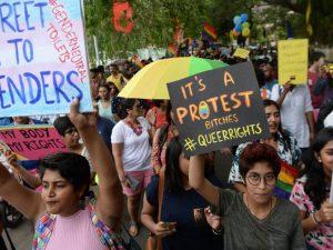 India, sentenza della Corte Suprema: l'omosessualità non è più reato