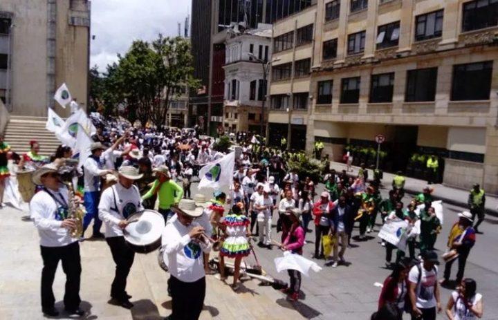 [Marcha Sudamericana por la Paz y la No Violencia] Gran marcha simbólica