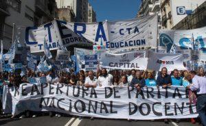 Argentina: miles de personas se manifestaron contra el gobierno de Mauricio Macri
