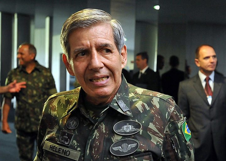 Presença militar se intensifica na campanha Bolsonaro