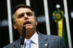 Candidato da extrema-direita, Jair Bolsonaro é eleito presidente do Brasil