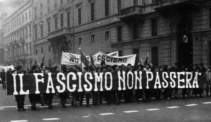 300 di Potere al Popolo contestano Salvini a Sovereto