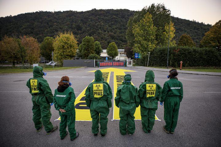 Proteste di Greenpeace alla Miteni di Trissino