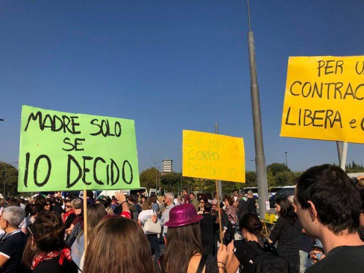 Elly Schlein, a Verona in difesa della legge 194