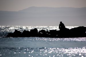 Mueren ocho personas al hundirse un barco de migrantes en Turquía
