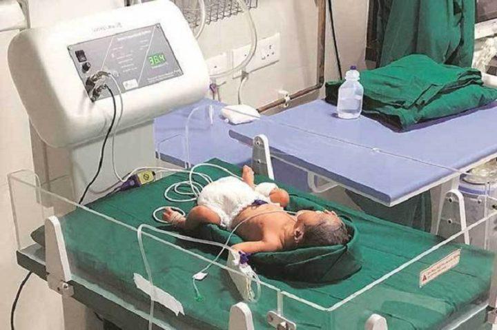 Nació la primera niña de un trasplante de útero en la India