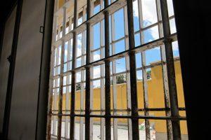 Defensor del Pueblo español a favor del acceso de la prensa a las cárceles