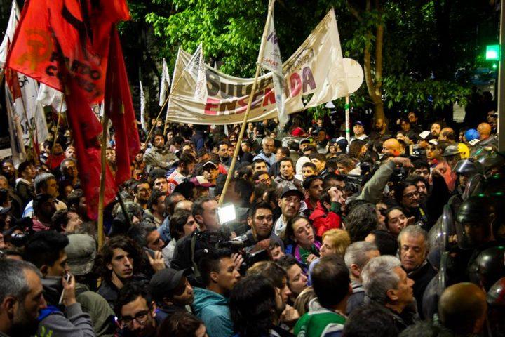 Aprobado presupuesto del FMI en Argentina caótica