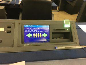 Le Parlement européen adopte une résolution contre la violence néo-fasciste en Europe. Une victoire historique