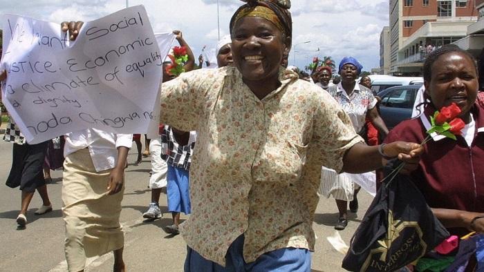 Zimbabwe: arrestato pastore Mawarire, uno dei leaders della protesta