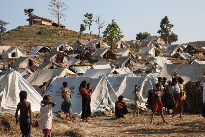Myanmar: il programma di rimpatri dei Rohingya mette in pericolo migliaia di persone