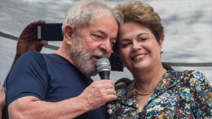 """Rousseff tacha de """"guerra jurídica"""" su imputación por corrupción"""
