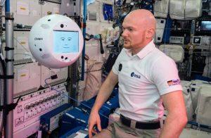 Robot IA cumple con éxito su primer día de trabajo en la estación espacial internacional
