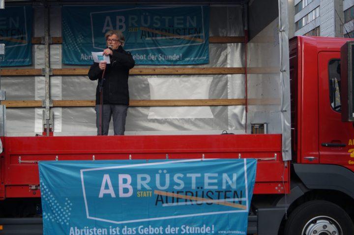 """Lühr Henken: """"Deutschland will zur führenden Militärmacht der EU werden"""""""